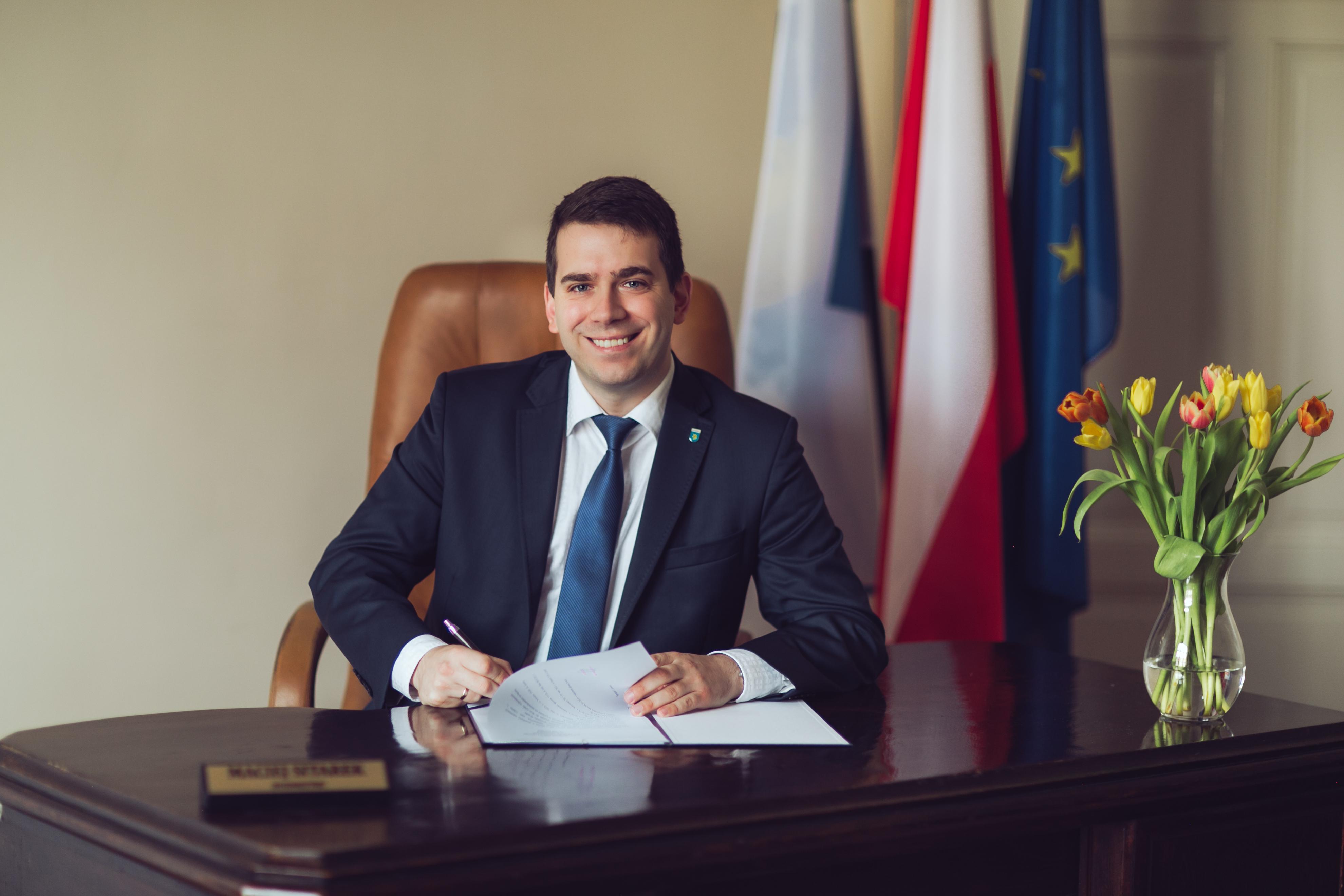 Burmistrz Lidzbarka Maciej Sitarek